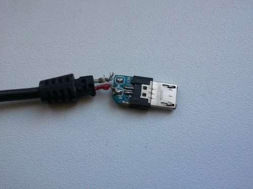Как сделать штекер на зарядке для телефона