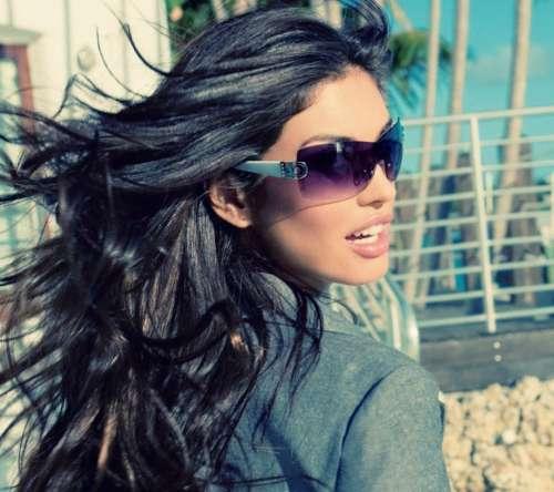 фото красивых девушек брюнеток с длинными волосами в очках