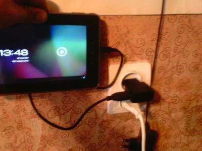Почему планшет глючит при зарядке
