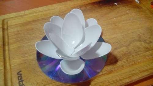 Поделки из одноразовой посудымастер класс